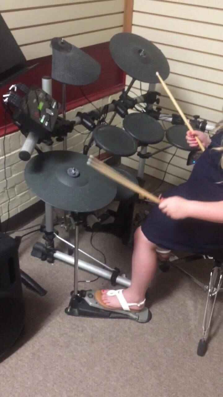 Sophia working on some new hihat patterns!